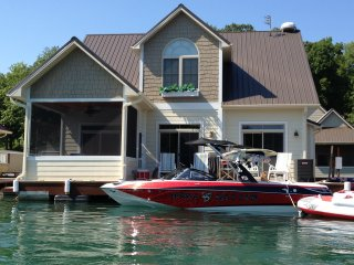 Norris Lake front floating house - Andersonville vacation rentals