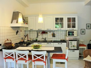 Perfect 2 bedroom Condo in Scauri with Internet Access - Scauri vacation rentals