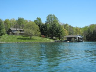 Tranquility Bay - On Smith Mountain Lake - Huddleston vacation rentals