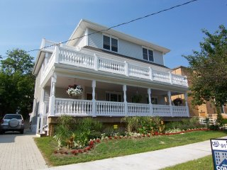 Extra Large Home With 5 Bedrooms, 4.5 Bath - Asbury Park vacation rentals