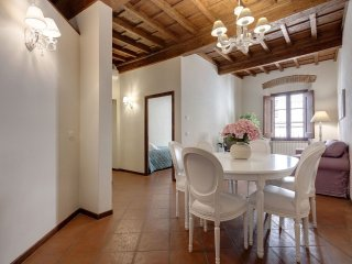 Charlotte apartment in Duomo with WiFi & airconditioning. - Florence vacation rentals