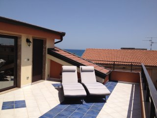 Terrace apartment, 4-6 beds, 5 min from the beach - Siderno Marina vacation rentals