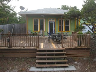 Cozy Bungalow Nestled in Native Landscaping - Santa Rosa Beach vacation rentals