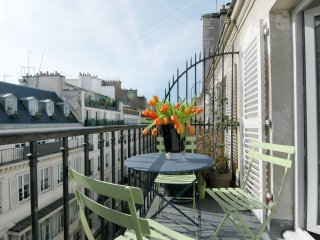 Royal Vivienne apartment in 02ème - La Bourse with WiFi, balkon & lift. - Paris vacation rentals