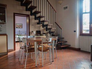 San Frediano apartment in Oltrarno with WiFi & airconditioning. - Florence vacation rentals