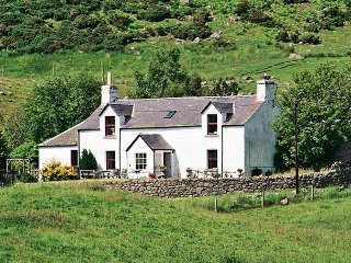 4 bedroom House with Washing Machine in Glenisla - Glenisla vacation rentals