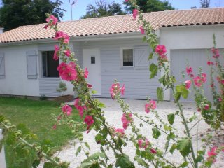 Bright 5 bedroom House in Aytre - Aytre vacation rentals