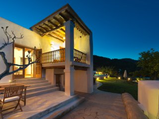 Wonderful 5 bedroom Villa in Es Cubells - Es Cubells vacation rentals