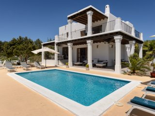 Charming Villa with Internet Access and A/C - Velverde vacation rentals