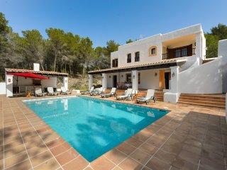 4 bedroom Villa with Internet Access in Santa Agnes de Corona - Santa Agnes de Corona vacation rentals