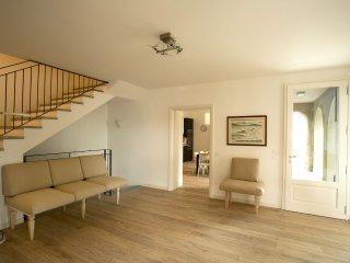 Bright 5 bedroom Villa in Pallanza - Pallanza vacation rentals
