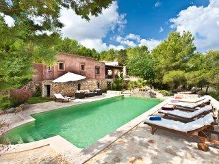 Nice 3 bedroom Es Codolar Villa with Internet Access - Es Codolar vacation rentals