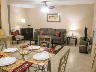 Stunning Summer Special! Stop on by Afton Gardens - Houston vacation rentals