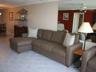 2 BEDROOMS 2 BATHS - SLEEPS 6 - OCEAN VIEWS - New Smyrna Beach vacation rentals