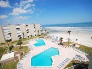 3 BEDROOMS 2 BATHS - SLEEPS 8 - OCEAN VIEWS - New Smyrna Beach vacation rentals