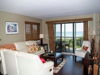 Recently Renovated Oceanfront Condo in Beacon's Reach! - Pine Knoll Shores vacation rentals