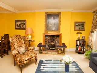 Belgravia 2 bed 2 bath, Ebury Street, Belgravia/Chelsea - London vacation rentals