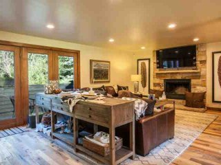 RECENTLY REMODELED! Modern elegance and easy bus access to Vail mountain. - Vail vacation rentals