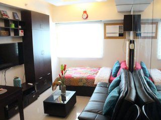 Simple room with Sofa bed - Makati vacation rentals