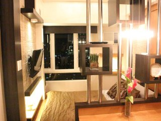 Night View, Wifi, 10 minutes Greenbelt - Makati vacation rentals