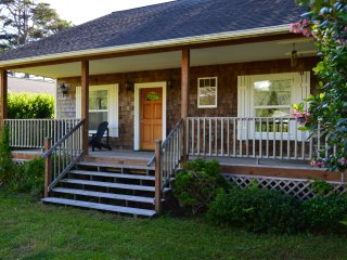 The Salter's House, Cute 2 Bedroom, 1 blk to beach - Rockaway Beach vacation rentals