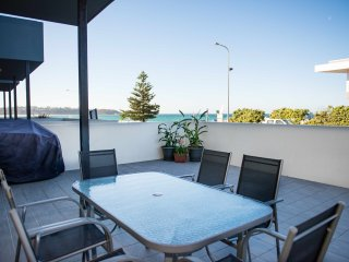 Mollymook Luxury Beachfront Apartment 3 - Mollymook vacation rentals