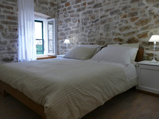 Bright 1 bedroom Sibenik Apartment with Internet Access - Sibenik vacation rentals