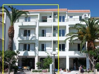 Cozy 1 bedroom Tucepi Apartment with Internet Access - Tucepi vacation rentals