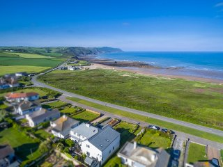 'Overdowns ' -Fabulous property with sea views! - Widemouth Bay vacation rentals