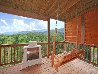 Beautiful Views from this 1 Bedroom Luxury Cabin! - Gatlinburg vacation rentals