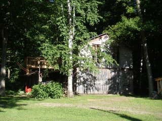 Country cottage on private pond - Saint Bernard vacation rentals