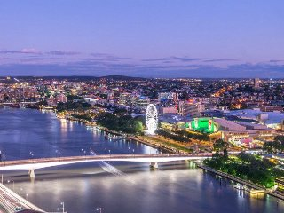 Skyhome-2 Bedroom CBD River&City Views + Car Park - Brisbane vacation rentals