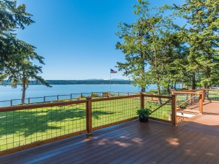 Charming two bedroom seaside cottage on Penn Cove - Oak Harbor vacation rentals