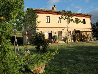 "Restauriertes Bauernhaus in Panoramalage ""Stalla"" - Montecarotto vacation rentals"
