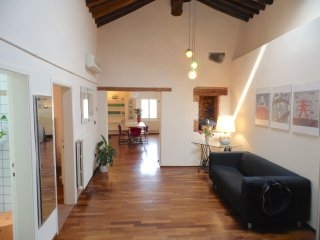 Bright Lucca Apartment rental with Internet Access - Lucca vacation rentals