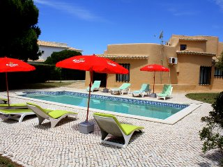 """Villa Teresa"" has 4 or 5 bedrooms with a large pool and walk to the beach ! - Lagos vacation rentals"