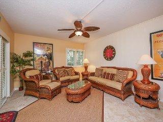 516 Plantation Club-Fully renovated & Quick Walk to Beach. - South Carolina Island Area vacation rentals