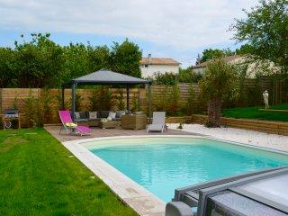 BELLE MAISON BOIS AVEC PISCINE PLAGE 800m - Meschers-sur-Gironde vacation rentals