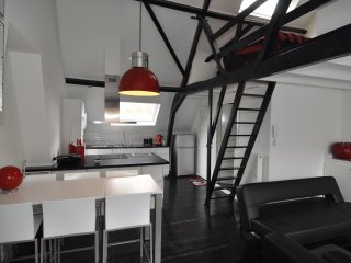 Comfortable Condo with Internet Access and Satellite Or Cable TV - Ghent vacation rentals
