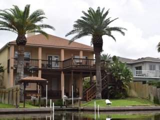 Cast-Away Villa - Luxury with Private Boat Lift - Aransas Pass vacation rentals