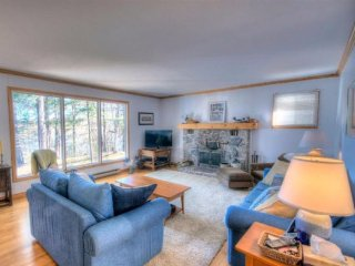 Beautiful 5 bedroom cottage on Fairy Lake - Huntsville vacation rentals