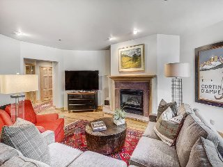 Gorgeous 3BR Buffalo Park Condo in Exclusive Arrowhead Gated Community - Edwards vacation rentals