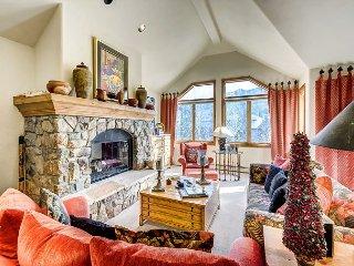 Cozy 4BR + Den Non-smoking Ski In/Ski Out Aspen Town Home in Beaver Creek - Avon vacation rentals
