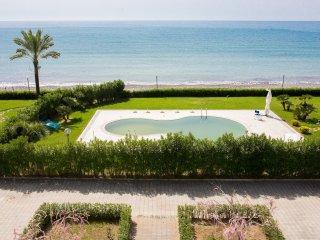 Residence direttamente sul mare, bilocale, 11a - Policastro Bussentino vacation rentals