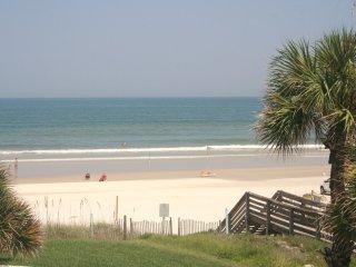 3 BEDROOMS 2 BATHS - SLEEPS 6 - OCEAN VIEWS - New Smyrna Beach vacation rentals