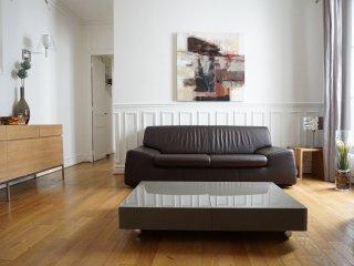 315010 - rue Lecourbe - PARIS 15 - Vanves vacation rentals