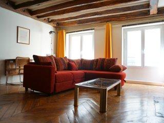 201010 - rue Danielle Casanova - PARIS 1 - 1st Arrondissement Louvre vacation rentals