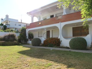Flat near sea. Private yard.Costa Dorada-Barcelona - Roda de Bara vacation rentals