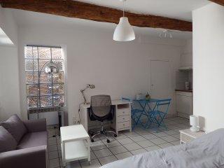Charming renovated studio 1 Avignon Intra-Muros - Avignon vacation rentals