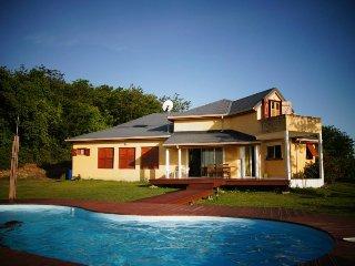 Villa avec vues sur mer, piscine,jardin, barbecue - Deshaies vacation rentals